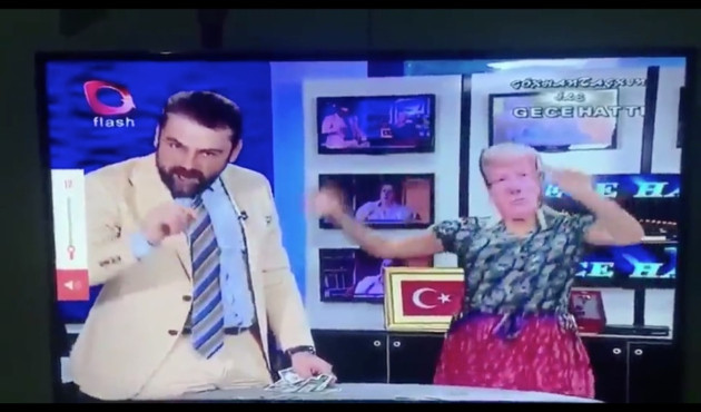 Flash TV, Trump'ı dansöz yaptı!